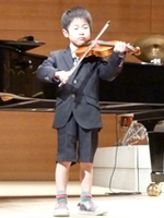 「バイオリンコンクールで『銅賞』&『指導者グループ賞』受賞!」 (6歳11か月男の子)