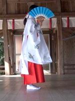 【New!】「映画『君の名は。』のように、神社の舞姫をしました」(小学4年生女の子)